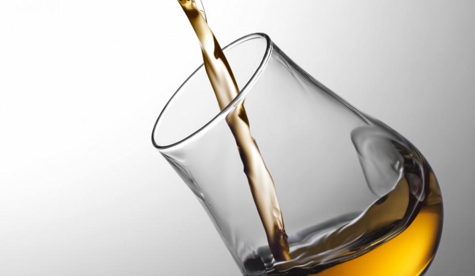 Glas-med-whisky_300dpi (1024x937)